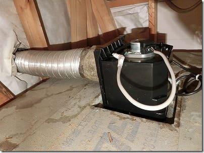 換気扇ダクト接続した天井裏
